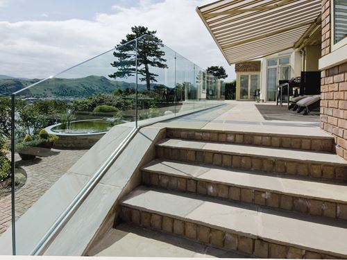 Frameless Glass Balustrade – Deck & Terrace